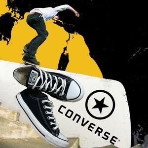 Classic black white unisex low top converse